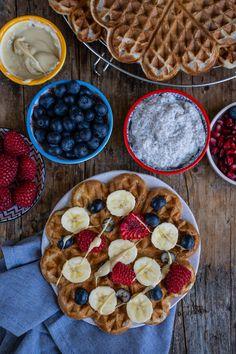 Vegane Protein Waffeln Rezept  Mrs Flury, Waffelliebe, Frühstück, Brunch, Waffeln, Pancakes Rezept, Proteinwaffeln, vegan Protein, pflanzlich, gesund, gesunde Rezepte, einfach, gesund essen, einfache Rezepte, Bohnen, Bohnenkuchen, Frühstückswaffeln, gesunde waffeln, ohne Zucker, zuckerfrei, projekt zuckerfrei, Rezepte ohne Zucker, ohne Proteinpulver, Waffeln backen, beste Waffeln  #waffeln #proteinwaffeln #gesunderezepte #mrsflury Waffel Vegan, Mock Turtle Soup, Comfort Food, Waffles, Pie, Breakfast, Pudding Oats, Low Carb, Inspiration