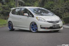 fauzan 2012 Honda Jazz RS Honda Jazz, Honda Fit, Honda Vtec, Fit Car, Japan Cars, Hatchbacks, Bikini, Vehicles, Fitness