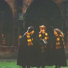 harry potter, hermione granger, and ron weasley image Harry Potter Hermione, Hermione Granger, Mundo Harry Potter, Harry Potter Films, Harry Potter Pictures, Harry Potter Universal, Harry Potter World, Harry Potter Friendship, Harry Potter Cosplay