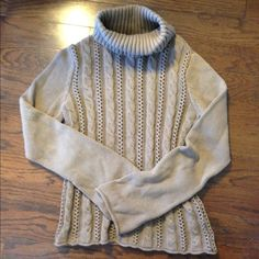 Calvin Klein cable knit sweater -small Great cozy oatmeal colored cable knit sweater! Feel free to bundle in my closet for a 20% discount! Calvin Klein Sweaters Cowl & Turtlenecks