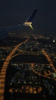 fake kiz fotograflari meme Pin by Wildan on Gambar bergerak [Video] in 2019 Night Aesthetic, Travel Aesthetic, Aesthetic Bedroom, Airplane Photography, Nature Photography, Airplane Window View, Fotografie Hacks, City Wallpaper, Chicago Wallpaper