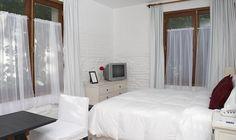 Habitación Deluxe en Don Antonio Posada en Colonia del Sacramento, Uruguay. Su web: www.posadadonantonio.com