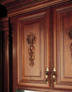 kitchen cabinet onlays crowned acanthus with ornate corners on kitchen cabinet 19189