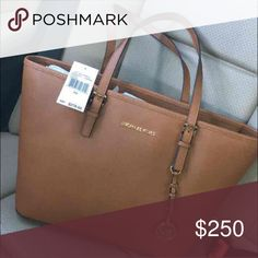 NEW!! Michael Kors Purse New with tags Michael Kors Bags Shoulder Bags