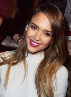 Jessica Alba pink lips- perfect for spring