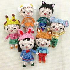Куколки амигуруми в шапочках-зверюшках (7)
