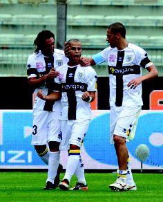 Modesto, Giovinco e Morrone in campo durante una partita del Parma Calcio