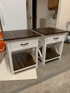 Farmhouse Nightstand - Handmade Haven Farmhouse nightstand plans that will give your bedroom a Joanna Gaines farmhouse vibe. These free DIY nightstand plans are an easy step-by-step tutorial on how to recreate a farmhouse nightstand for your home. Farmhouse Nightstand, Diy Furniture Plans, Home Furniture, Diy Nightstand, Diy Furniture Projects, Diy Home Furniture, Diy Furniture Table, Farmhouse Furniture Plans, Farmhouse Furniture
