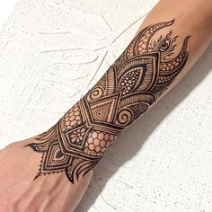 30 Most Weird Mehndi Designs that are Funny and Cute Eccentric Henna Trends 30 Outlandish Mehndi Henna Tattoos, Henna Tattoo Hand, Cool Tattoos, Tattoo Arm, Henna Tattoo For Men, Gorgeous Tattoos, Forearm Tattoos, Henna Tattoo Designs Arm, Tattoo Designs Men