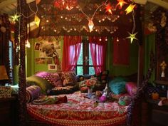 Jeanne Bayol style, I loooove - Bohemian Home Gypsy My New Room, My Room, Gypsy Room, Bohemian Bedroom Decor, Hippy Bedroom, Pretty Room, Room Ideas Bedroom, Aesthetic Bedroom, Dream Rooms