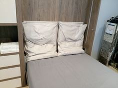 Pillows, Bed, Home, Stream Bed, Ad Home, Homes, Cushions, Beds, Pillow Forms