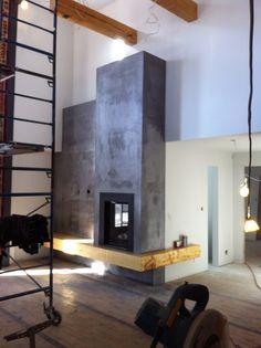 Mur foyer en beton Basement Remodeling, Laminate Flooring, Living Room, Design, House, Wood Heaters, Furniture, Woodburning, Fireplaces
