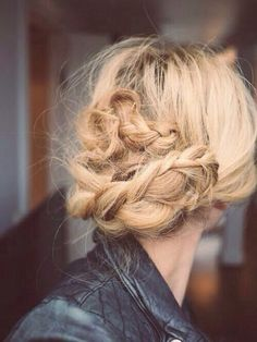"""I love doing all the braids but I love the """"messy"""" looks the most 💜 very cute and still chic and stylish 💜 - Messy braids Second Day Hairstyles, Messy Hairstyles, Pretty Hairstyles, Wedding Hairstyles, Dreadlock Hairstyles, Updo Hairstyle, Short Hairstyle, Summer Hairstyles, Good Hair Day"""