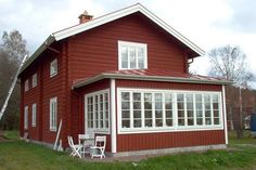 Exterior Paint Color Combinations, Red Houses, Swedish House, House With Porch, Scandinavian Interior, Sunroom, Country Style, Shed, Cottage