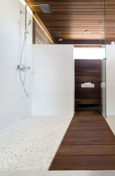 Shower and sauna area Serene Bathroom, Bathroom Spa, Laundry In Bathroom, Saunas, Jacuzzi, Piscina Spa, Sauna Shower, Sauna Design, Spa Rooms