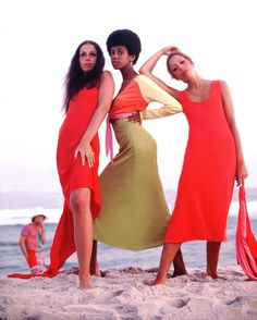 Stephen Burrows: When Fashion Danced at Museum of the city of New York Black Fashion Designers, Black Women Fashion, Womens Fashion, Black Designers, Mod Fashion, New York City Guide, African American Fashion, Sixties Fashion, Vintage Fashion Photography