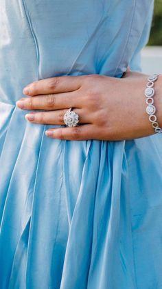 Blue Dresses, Wedding Rings, Bright, Engagement Rings, Detail, Jewelry, Fashion, Enagement Rings, Moda