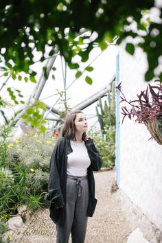 In The Garden of Eden | OOTD A minimal and monochrome outfit for spring.