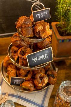Salty Bar, Hochzeit, food Bar Wedding Fotos, Cupcakes, Dessert Buffet, Snacks, Sweet And Salty, Goat Cheese, Chicken Wings, Bar, Stuffed Mushrooms