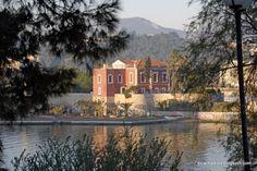 Halkida, red house #outdoorsgr