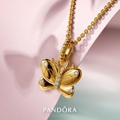 >>>Pandora Jewelry OFF! >>>Visit>> Transform your style with the butterfly necklace one of the beautiful icons from our new Pandora Garden collection. Available in-stores and online now. Pandora Uk, Charms Pandora, Pandora Gold, Pandora Jewelry, Charm Jewelry, Jewelry Art, Jewelry Bracelets, Necklaces, Spring Collection