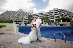 Married couple photoshoot at Paradissus Hotel Cancun /ウエディングフォト_パラディススカンクン_AkiDemi Photography www.akidemi.com