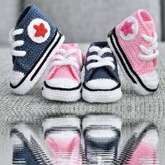 Thread Crochet Baby Converse Pattern Free : 1000+ ideas about Crochet Converse on Pinterest Converse ...