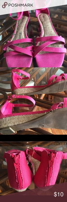 Merona Strappy Sandal size9.5 Pink strappy sandal  never worn excellent condition cork heel.  9.5 Merona Shoes Sandals