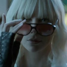 The sunglasses that Charlize Theron (Lorraine Broughton) wears in the movie Atomic Blonde (2017) #charlizetheron #atomicblonde