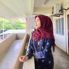 Beautiful Hijab Girl, Beautiful Muslim Women, Kebaya Hijab, Hijab Fashionista, Baggy Clothes, Girl Hijab, Hijab Outfit, Turkish Fashion, Hijab Chic