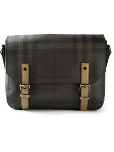 Burberry Men Wear, Luxury Designer, Messenger Bag, Burberry, Satchel, How To Wear, Bags, Fashion, Man Fashion