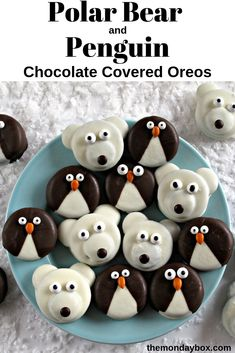 Delight in a winter themed snack with these adorable chocolate dipped Penguin and Polar Bear Oreos ! Polar Bear Food, Penguins And Polar Bears, Bear Cookies, Toddler Recipes, Cooking Classes For Kids, Baking With Kids, Chocolate Covered Oreos, Winter Ideas, Bake Sale