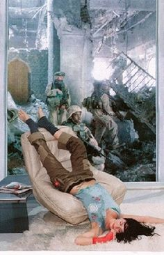 """Martha Rosler """"Lounging Woman"""" aus der Serie: Bringing the War Home: House Beautiful, New Series"""", 2004 Fotomontage als C-Print 61 x 51 cm Photomontage, Collages, Collage Artists, Appropriation Art, Color Me Mine, Institute Of Contemporary Art, Creepy Pictures, Feminist Art, Jasper Johns"""