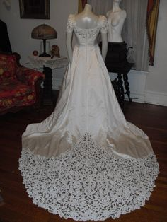 REDUCED TO  250.00   Vintage Designer Oleg Cassini Lace and satin Pearl White Wedding Gown long Amazing Train on Etsy, $250.00