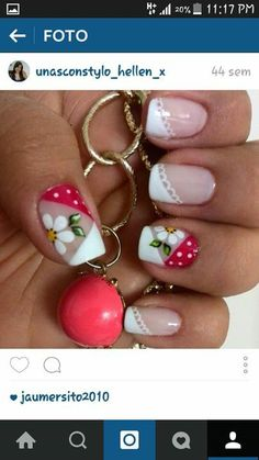 Uñas francés diagonal rojo y blanco flores y puntos French Nail Designs, Toe Nail Designs, Acrylic Nail Designs, Nail Manicure, Toe Nails, Cute Pedicure Designs, Nail Picking, Flower Nail Art, French Tip Nails