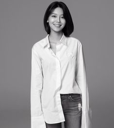 See the lovely black and white photos of SNSD SooYoung