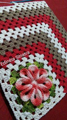 Jenny Boone's 610 media content and analytics Crochet Square Patterns, Crochet Blocks, Crochet Squares, Crochet Granny, Crochet Motif, Crochet Doilies, Crochet Flowers, Crochet Stitches, Free Crochet