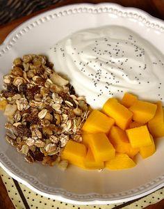 Cinco Quartos de Laranja: Pequenos-almoços em 5 minutos: Iogurte com cereais e fruta