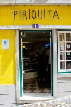 Eating in Lisbon, Portugal. Foodie guide.