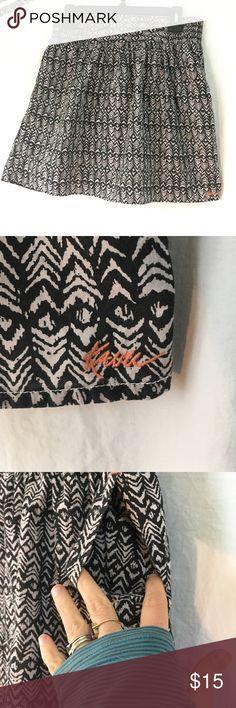 Kavu ikat print tribal skirt Fully lined. Excellent used condition. 100% cotton. Light and breezy, perfect for summer. Kavu Skirts Mini