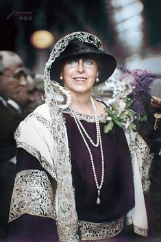 Regina Maria Carole King, Old Photos, Vintage Photos, Romanian Royal Family, King Alexander, Peles Castle, Old Portraits, Princess Elizabeth, Save The Queen