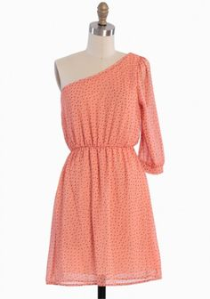 my favourite colour and polka dots...this dress is really for me :-)