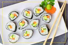 Kimbab to koreańska odmiana sushi, która stanowi doskonałą alternetywe dla obiadu lub lunchu w pracy. Zobaczcie, jak zrobić go samodzielnie: http://koreanskieprzepisy.pl/?p=101