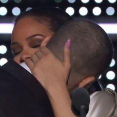 """MTV VMA 2016 - Drake déclare sa flamme à Rihanna : """"Je l'aime depuis mes 22 ans"""""""