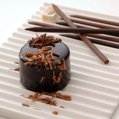 Lapices de Chocolate, junto a su sacapunte....  food for design