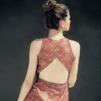 Flattering, love the cut, and the pattern of the material.