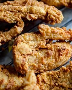 Vegan fried chicken like you've never tasted before – seriously. It's meaty, flavoursome, moist inside and super crispy inside. Call your mates – it's the big one! The post Vegan Fried Chicken appeared first on School Night Vegan. Chicken Seitan Recipe, Vegan Seitan Recipe, Vegan Fried Chicken, Seitan Recipes, Making Fried Chicken, Fried Chicken Recipes, Chicken Gravy, Roasted Chicken, Vegan Recipes