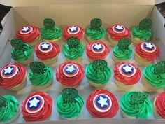 Captain America / The Incredible Hulk cupcakes for a boys birthday party! 3rd Birthday Party For Boy, Hulk Birthday Parties, Superhero Birthday Party, Birthday Cupcakes, Birthday Ideas, Hulk Cupcakes, Cupcakes For Boys, Marvel Cupcakes, Avenger Cupcakes