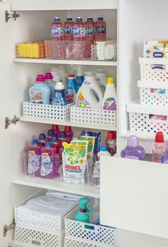 Kitchen Organization Pantry, Home Organization Hacks, Organizing Your Home, Diy Bedroom Decor, Diy Home Decor, Ideas Hogar, Laundry Room Design, Storage, Glamour Decor