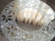 espejo con mosaiqueado de espejos Mosaic Artwork, Mirror Mosaic, Mosaic Diy, Mirror Tiles, Mosaic Crafts, Mosaic Wall, Mosaic Glass, Mosaic Tiles, Glass Art